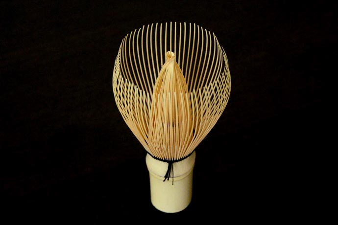 Shin-kazuho tea whisk by Tanimura Tango. This type of whisk is used by the grand master of Urasenke tea school.